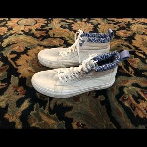 Vans high top shoes women's size 8.5.